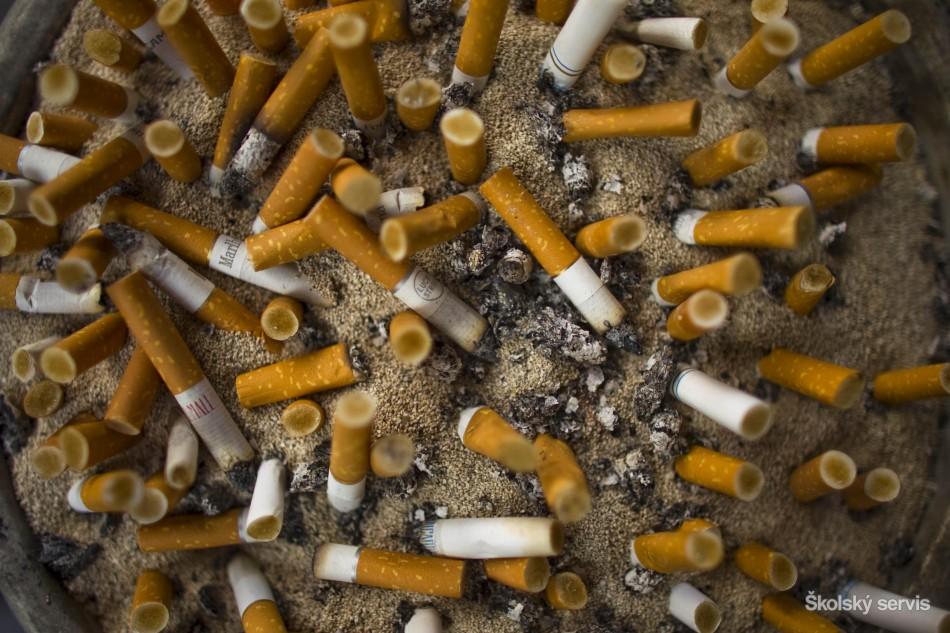 tvrdé fajčenieTori čierny na porno húb