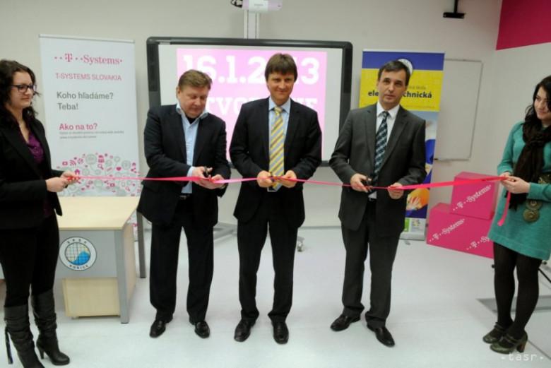 4ca496046 Na SPŠE v Košiciach otvorili nové IT laboratórium