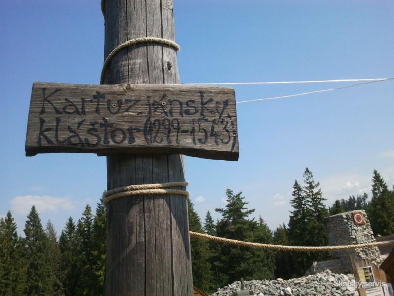 Uvádza, že na území Slovenska sa pestovanie lupiny datuje k nástupu.